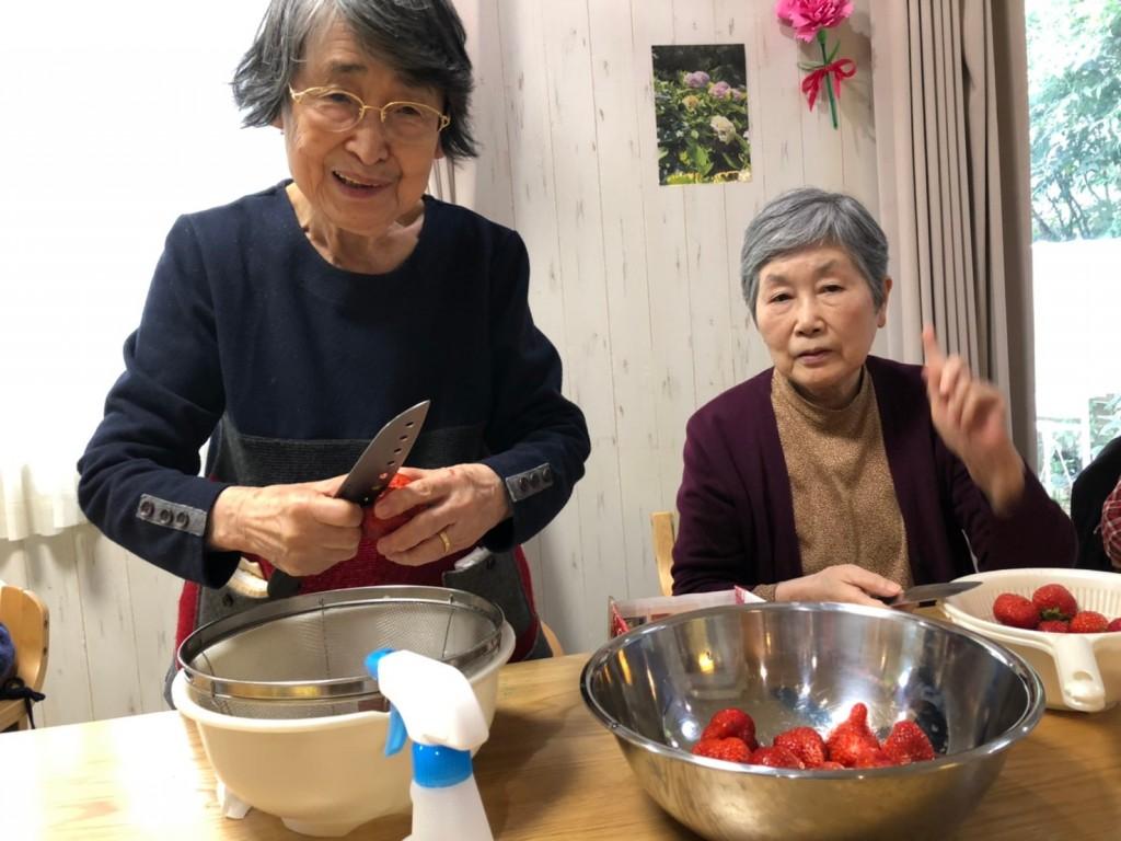 2020.3.7苺ケーキ作り_200315_0004